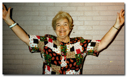 Joan Hill Hanks rapping for the Chattanooga Past DAR Regents Club in 1996