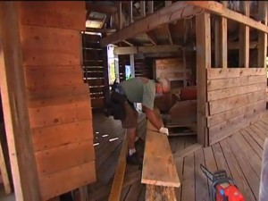 burgess-has-also-built-the-house-almost-entirely-out-of-recycled-wood-and-material