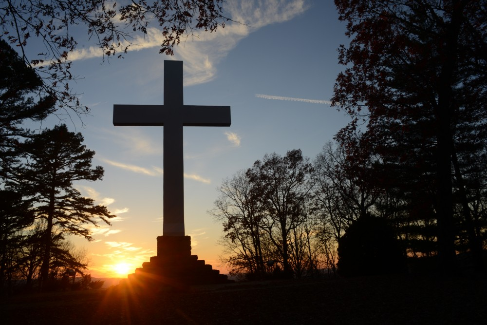 What is the huge Cross on the mountain outside Chattanooga for and why was it was erected?