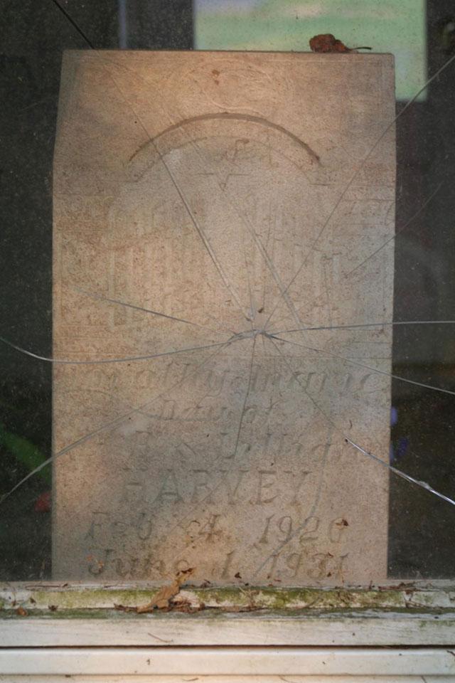 dorothy-marie-harvey-gravestone